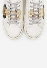 MOA - Master of Arts - GRANMASTER - Trainers - white - 6