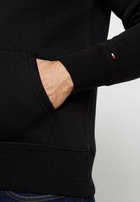 Tommy Hilfiger - LOGO HOODY - Sweat à capuche - black - 5