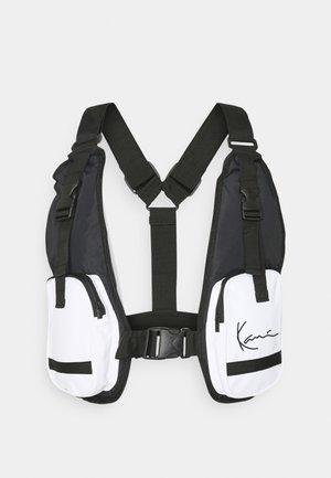 SIGNATURE UTILITY VEST BAG UNISEX - Across body bag - black