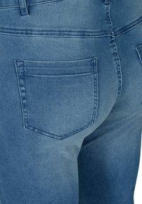 Zizzi - Slim fit jeans - light blue - 4