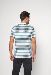 Lacoste - TH5141-00 - T-shirt print - white/navy blue niagara blue - 2