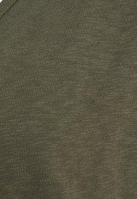 Marc O'Polo DENIM - SHORT SLEEVE WIDE BODYSHAPE - Basic T-shirt - deep depth - 2