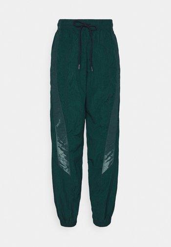 PANT - Pantalones deportivos - dark green