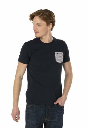 T-SHIRT CON TASCA PATCH A RIGHE - T-shirt con stampa - blu scuro