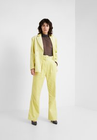 Hofmann Copenhagen - ELISA - Trousers - lemon grass - 1