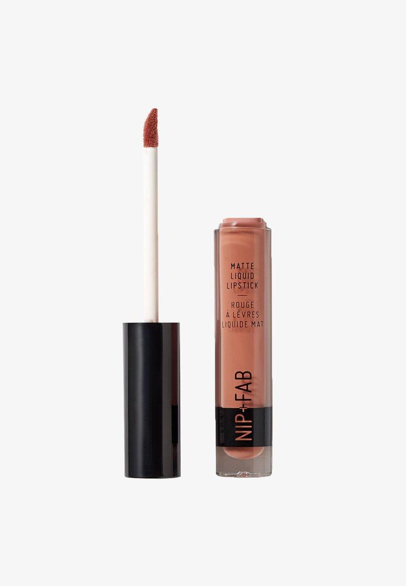 Nip+Fab - MATTE LIQUID LIPSTICK - Liquid lipstick - cinnamon