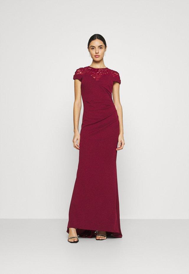 ELLE DRESS - Společenské šaty - wine