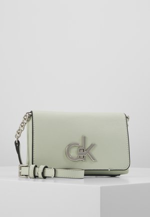 RE-LOCK FLAP CROSSBODY  - Across body bag - green