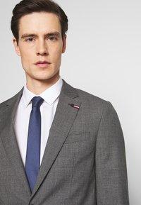 Tommy Hilfiger Tailored - SUIT SLIM FIT - Suit - grey - 6