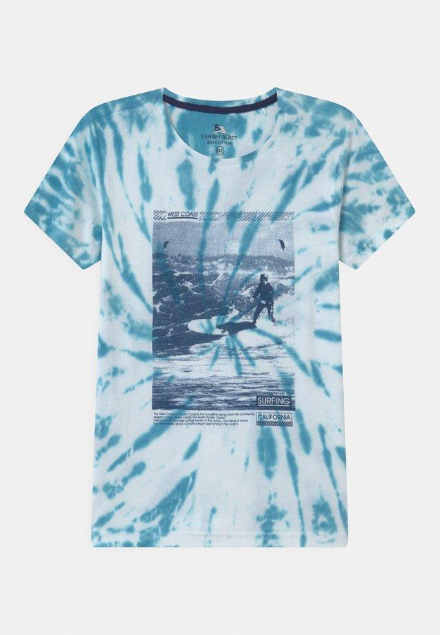 TEEN BOYS - Print T-shirt - mediterranian blue