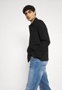Mustang - TRAMPER - Jeans Tapered Fit - denim blue - 3