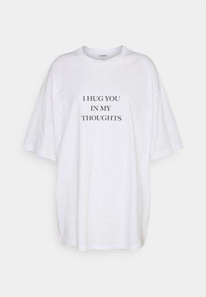 CISSI TEE - Camiseta estampada - white light