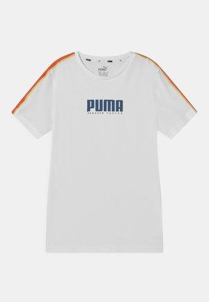 ALPHA TAPE UNISEX - T-shirts med print - white
