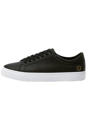 BASIC-SNEAKER MIT BROGUING 12210540 - Sneakers basse - black