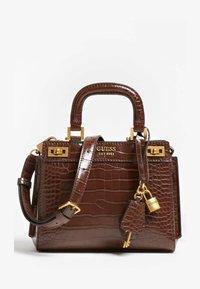 Guess - KATEY KROKO - Handbag - braun - 0