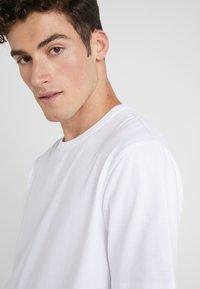 Joseph - CREW PERFECT TEE - T-Shirt basic - white - 3