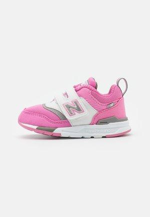 IZ997HVP - Trainers - pink