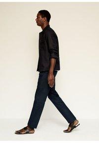 Mango - Trousers - dunkles marineblau - 2