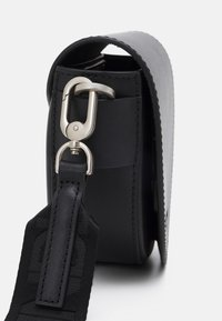 Liebeskind Berlin - MIXEDBAGS - Across body bag - black - 3
