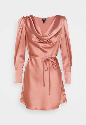 Denní šaty - blush