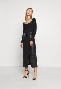 Topshop - LEAT WRAP PENCIL - Pencil skirt - black - 1
