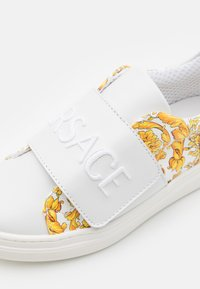 Versace - Trainers - white/gold - 5