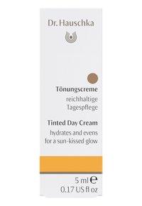 Dr. Hauschka - TINTED DAY CREAM - Tinted moisturiser - chestnut - 1