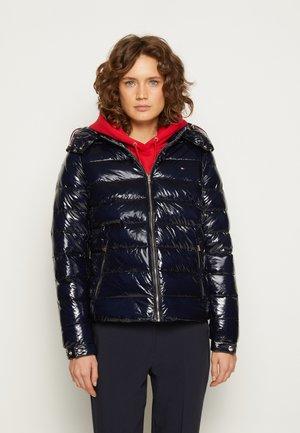 GLOSSY PUFFER JACKET - Winter jacket - desert sky
