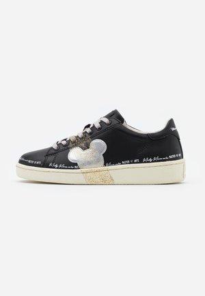 GRANMASTER - Sneakersy niskie - black