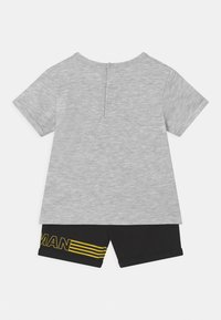 OVS - BATMAN - Pyjama set - grey melange - 1