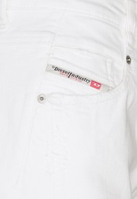 Diesel - FAYZA - Relaxed fit jeans - white - 2