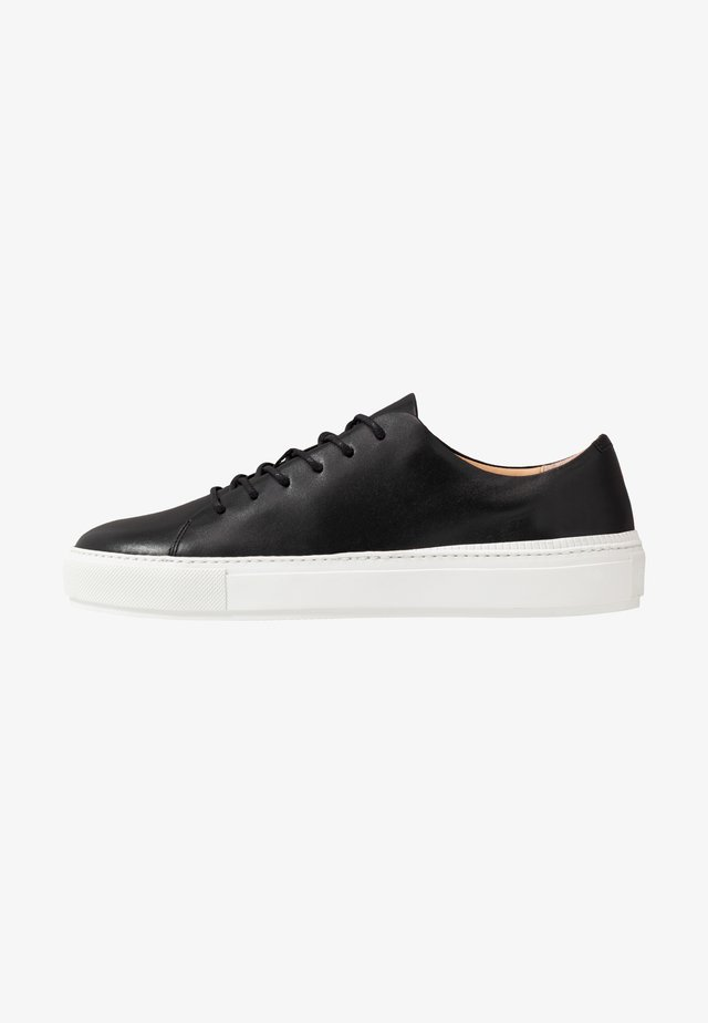 SAMPE - Trainers - black