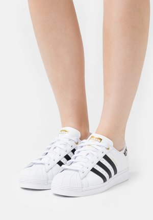 SUPERSTAR - Sneaker low - footwear white/core black/gold