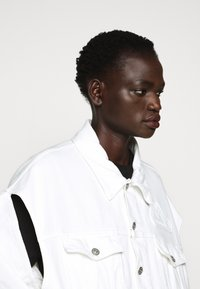 MM6 Maison Margiela - JACKET - Giacca di jeans - off white - 6