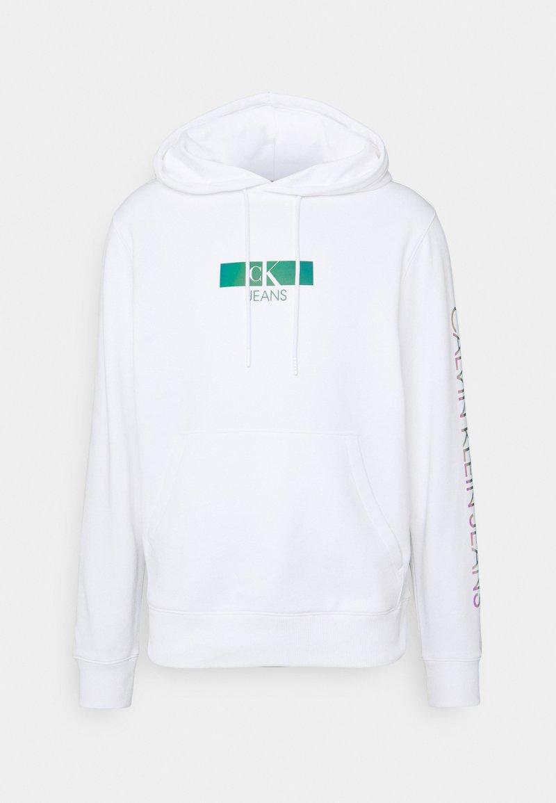 Calvin Klein Jeans - IRIDESCENT HOODIE UNISEX - Collegepaita - bright white