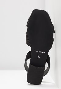 KIOMI - Sandals - black - 6