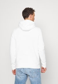Tommy Hilfiger - FLAG HOODY - Sweat à capuche - white - 2