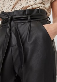 Vero Moda - PAPERBAG - Trousers - black - 3
