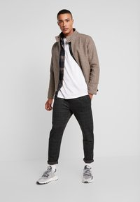 Native Youth - DELON PANT - Trousers - black - 1