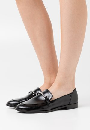 KEEPER - Loaferit/pistokkaat - black
