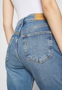 Gina Tricot - TOVE ORIGINAL - Slim fit jeans - blue - 5