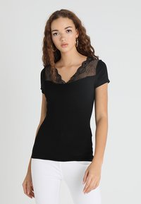 Morgan - DCLARY - Print T-shirt - noir - 1