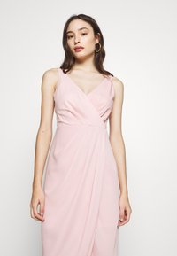 Forever New Petite - VICTORIA WRAP DRESS PETITE - Suknia balowa - blush - 3