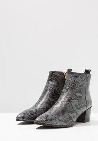 RAID - ANGELICA - Kotníková obuv - grey - 4