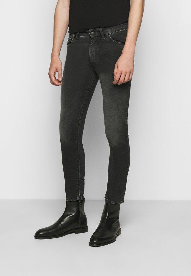 SLICK - Jeans slim fit - grau