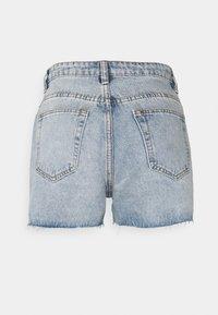 Missguided Petite - HEM DISTRESS - Shorts di jeans - blue - 1
