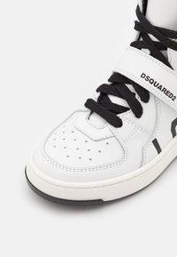 Dsquared2 - UNISEX - Sneaker high - white - 5