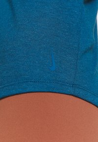 Nike Performance - YOGA STRAPPY TANK - Topper - valerian blue/industrial blue - 6