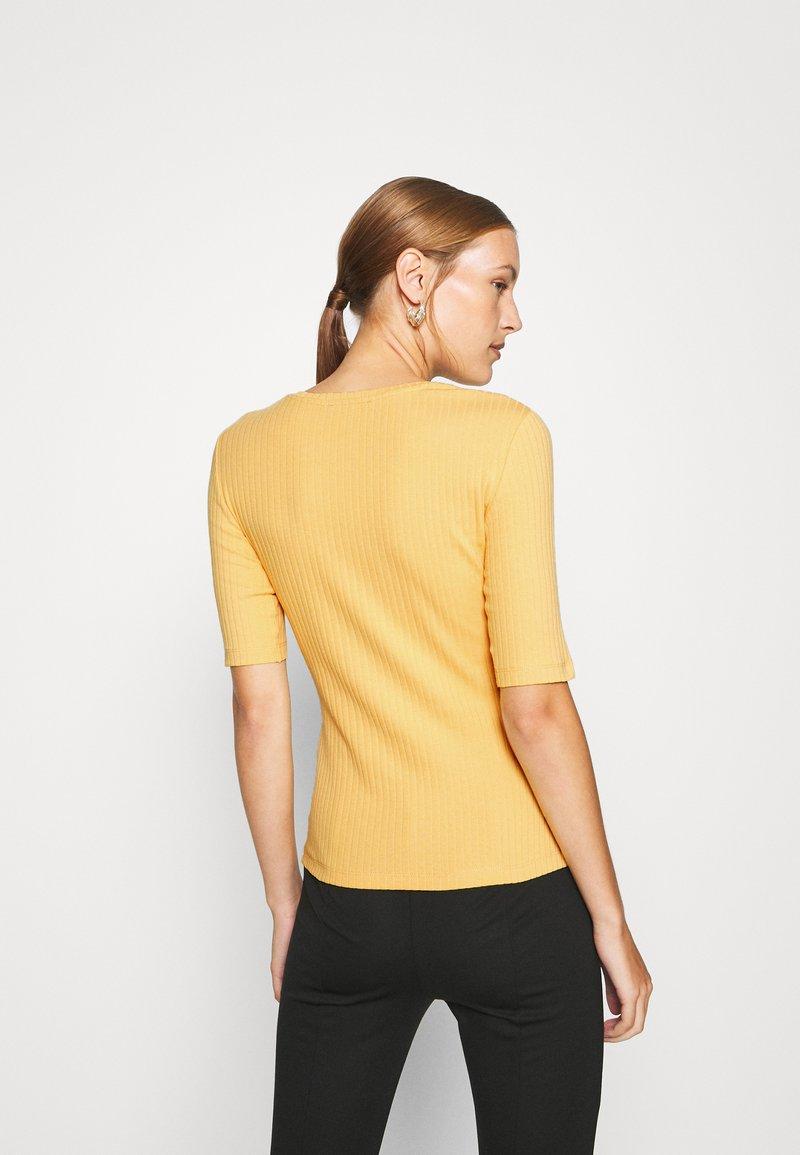 Anna Field T-Shirt basic - ochre/ocker UhVdrM