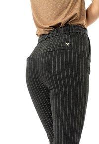 PLEASE - Trousers - gris - 2